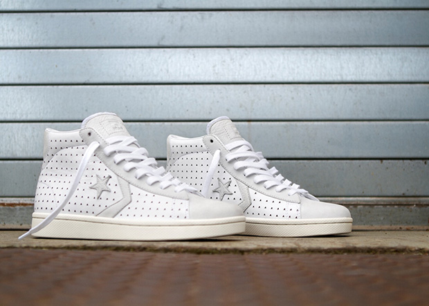 Converse_x_Ace_Hotel_Pro_Leather_pair_detail